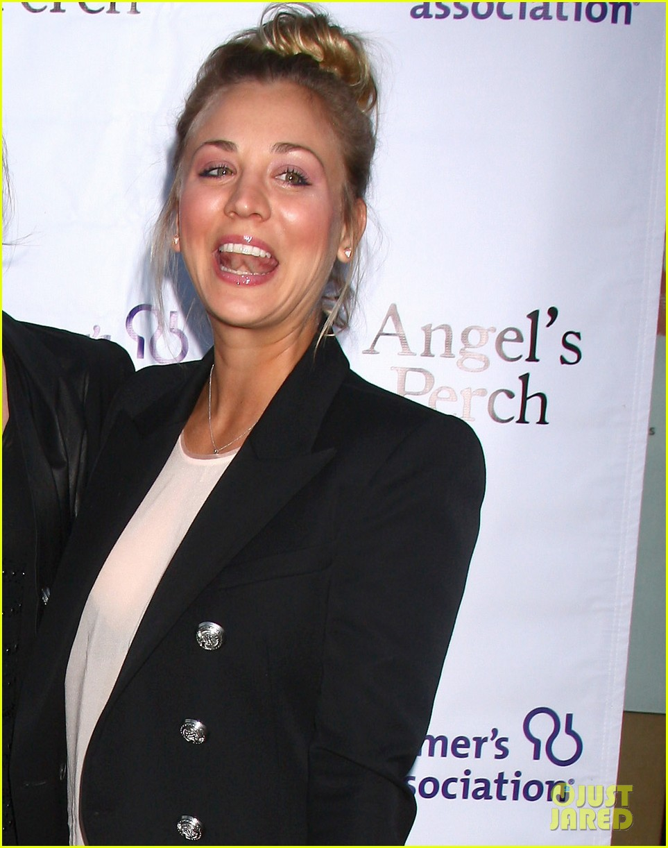 kaley cuoco angels perch premiere 02