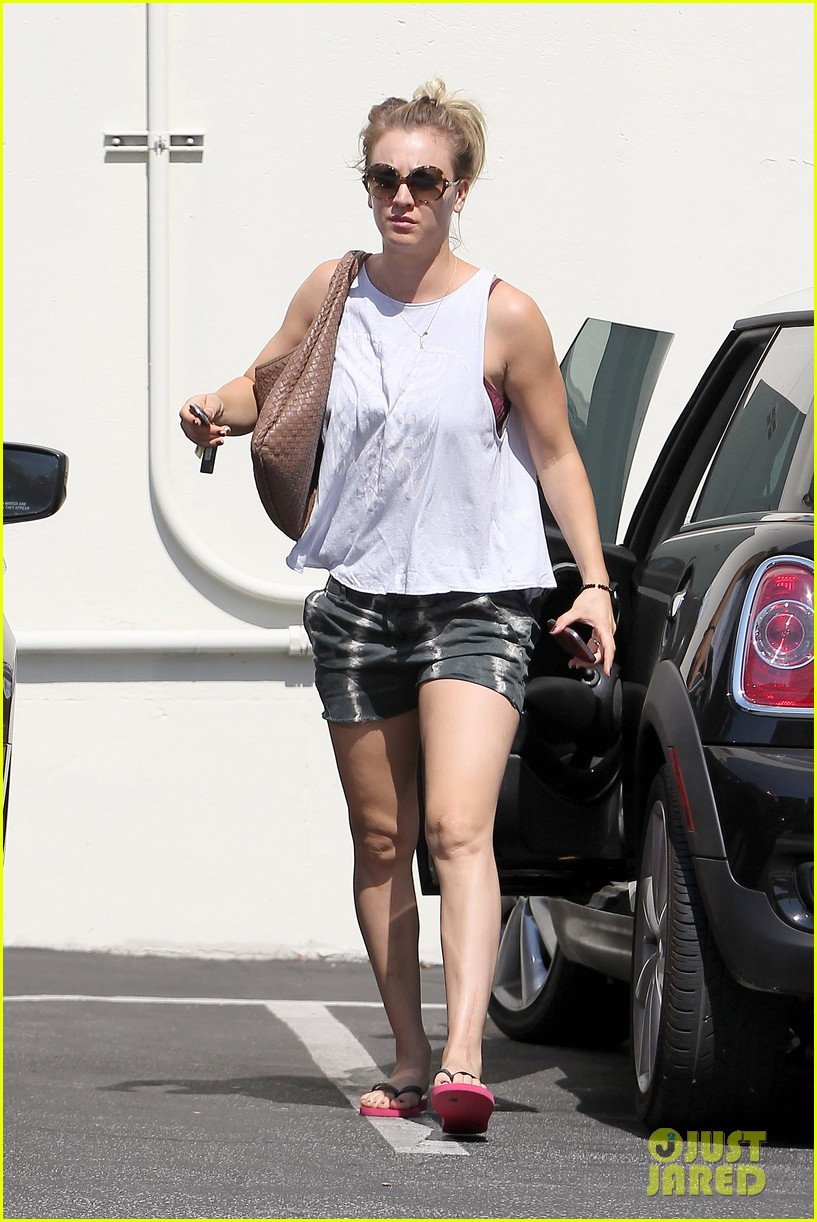 kaley cuoco steps out after henry cavill dating news 06