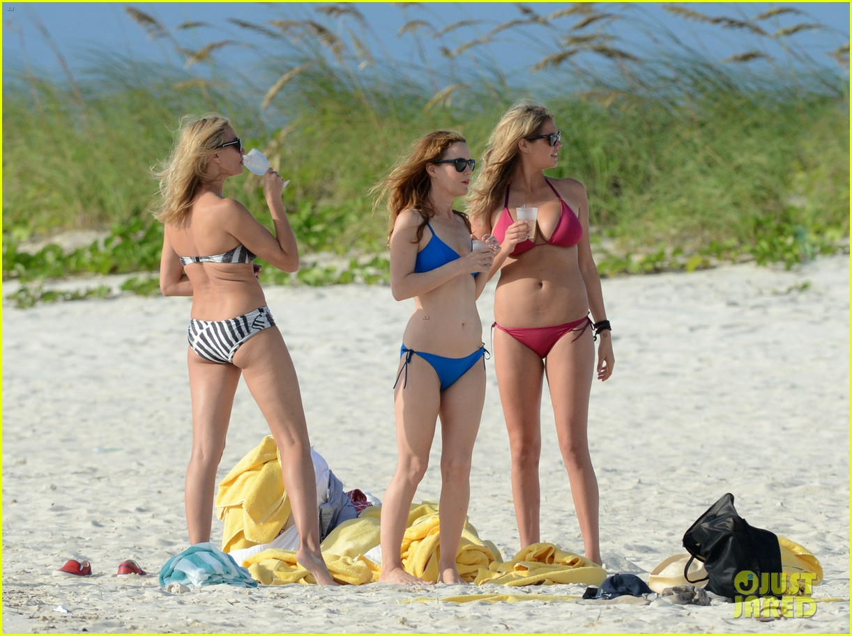 cameron diaz kate upton bikini babes in the bahamas 05