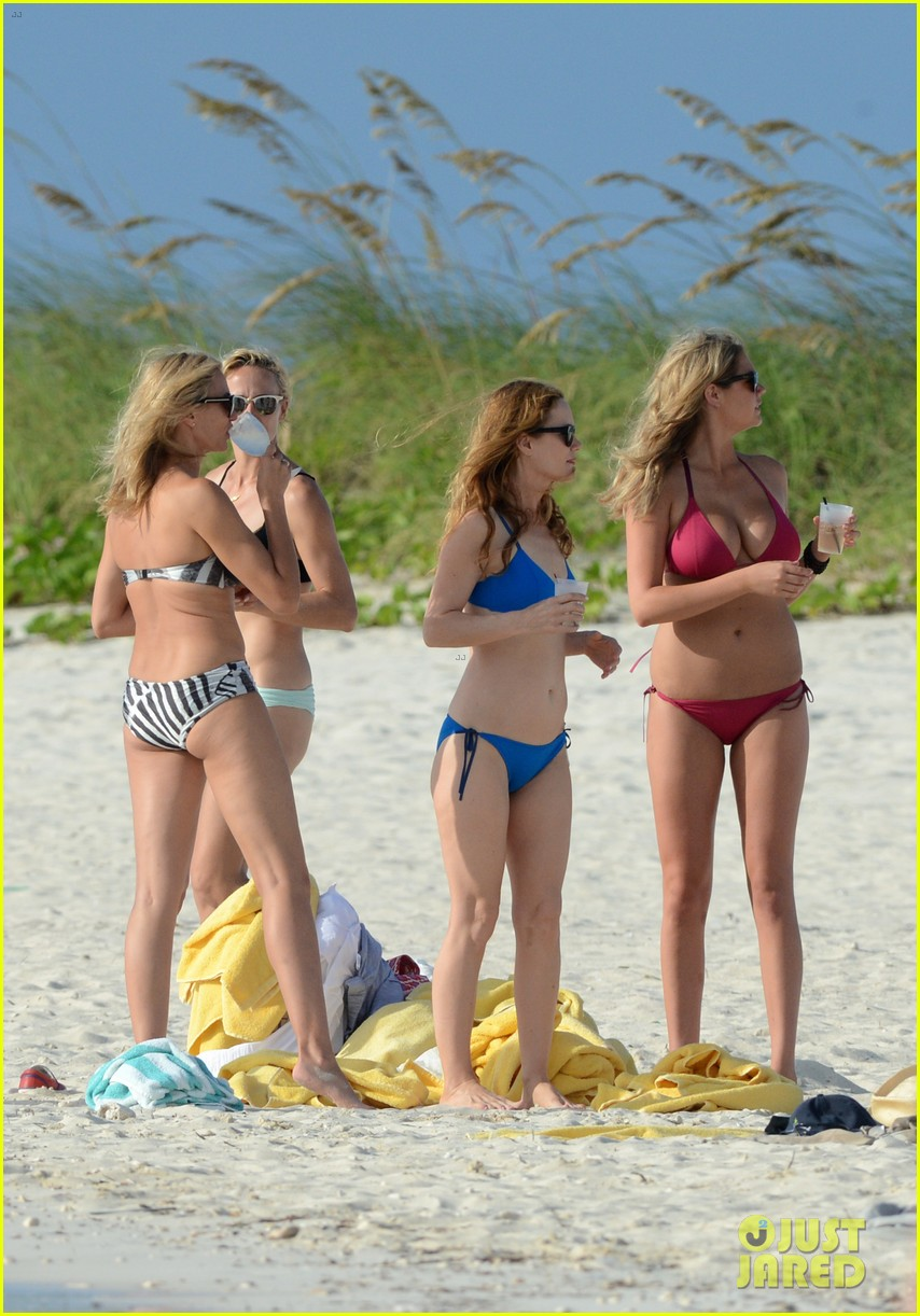 cameron diaz kate upton bikini babes in the bahamas 09