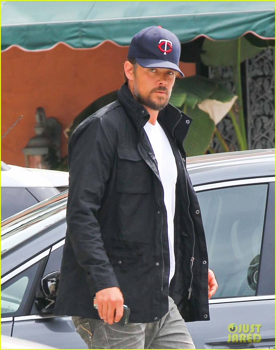 josh duhamel taking time off after baby is born 02