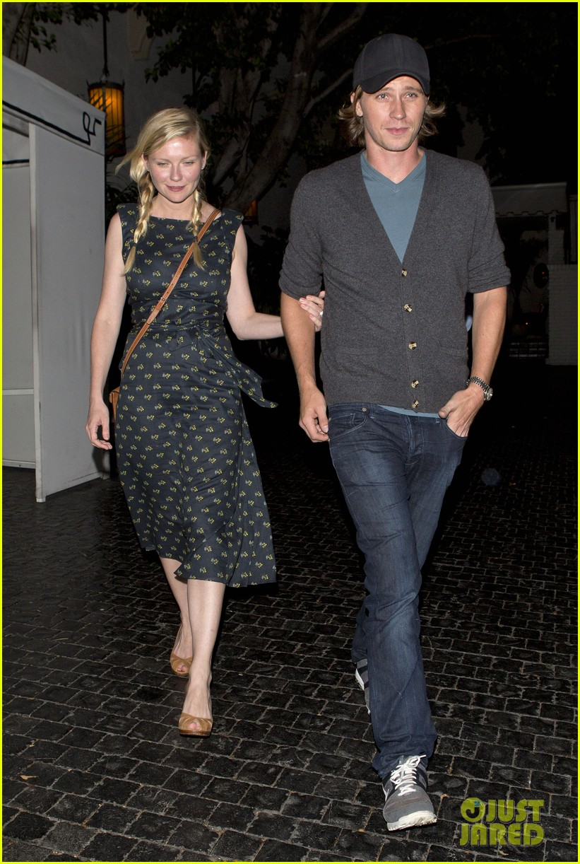 kirsten dunst garrett hedlund are a date night couple 052912291