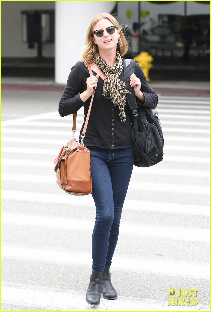 emily vancamp wraps filming girl in the book in nyc 11