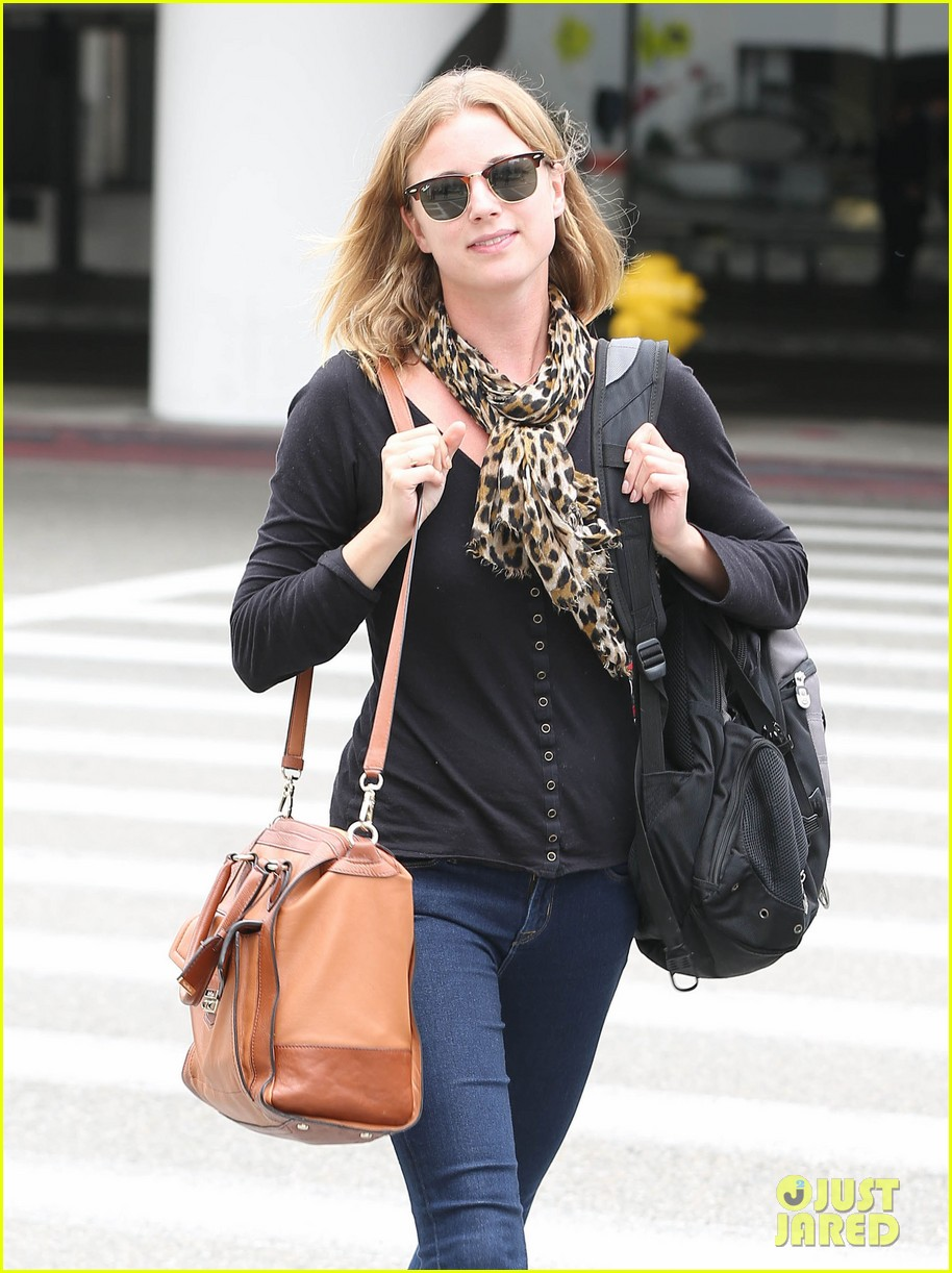 emily vancamp wraps filming girl in the book in nyc 12