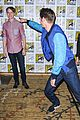 andrew garfield jamie foxx amazing spider man 2 at comic con 03