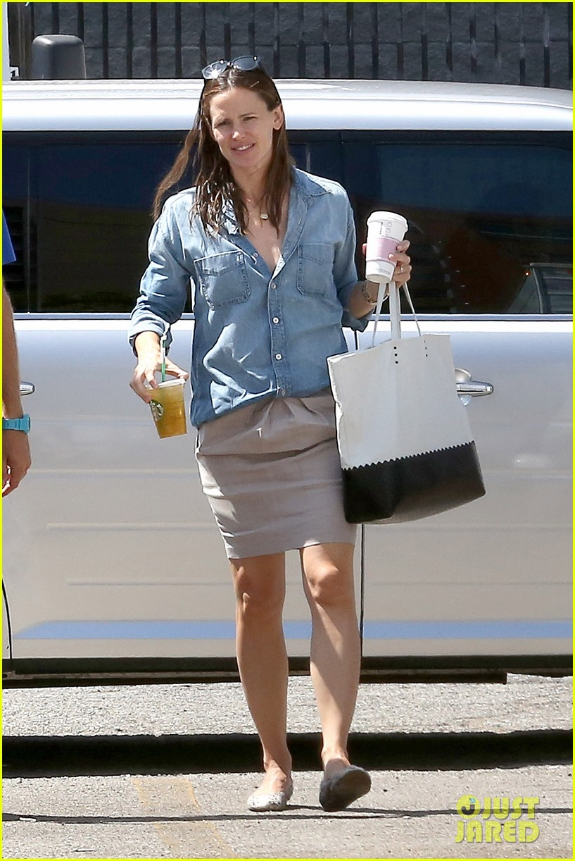jennifer garner ben affleck matt damon start new production company 012920485