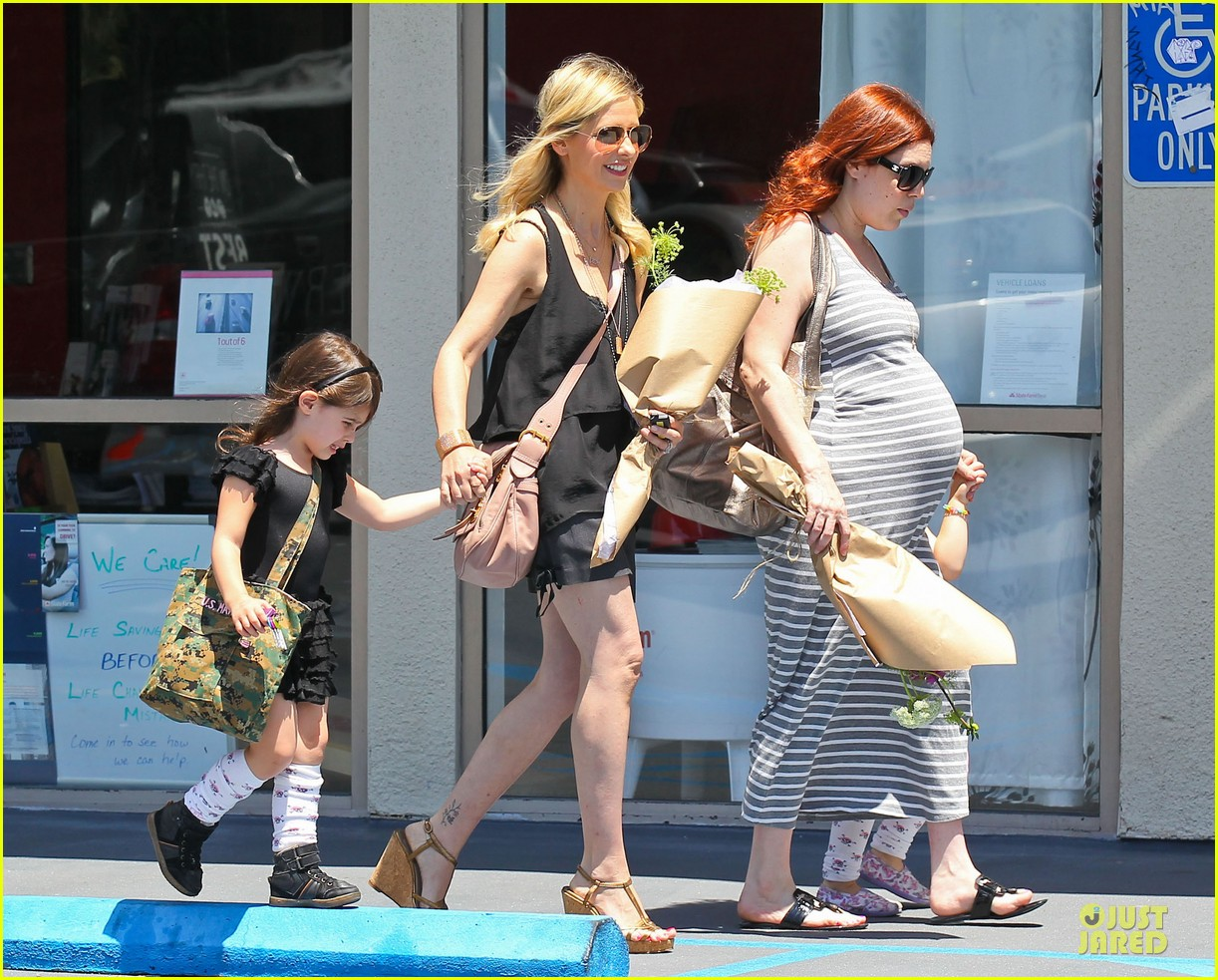 sarah michelle gellar flying with two kids alone is my latest milestone 052909018