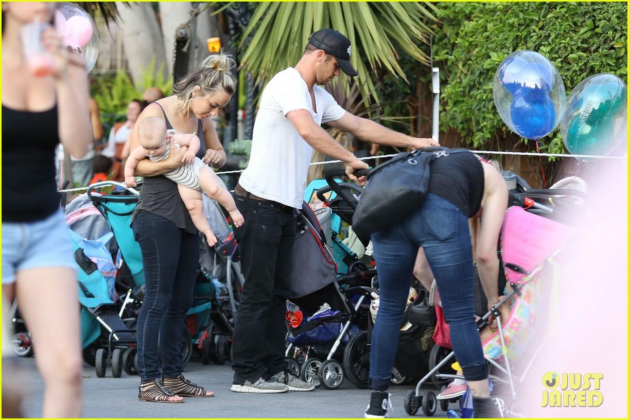 cam gigandet debuts baby rekker on family disney trip 422902571