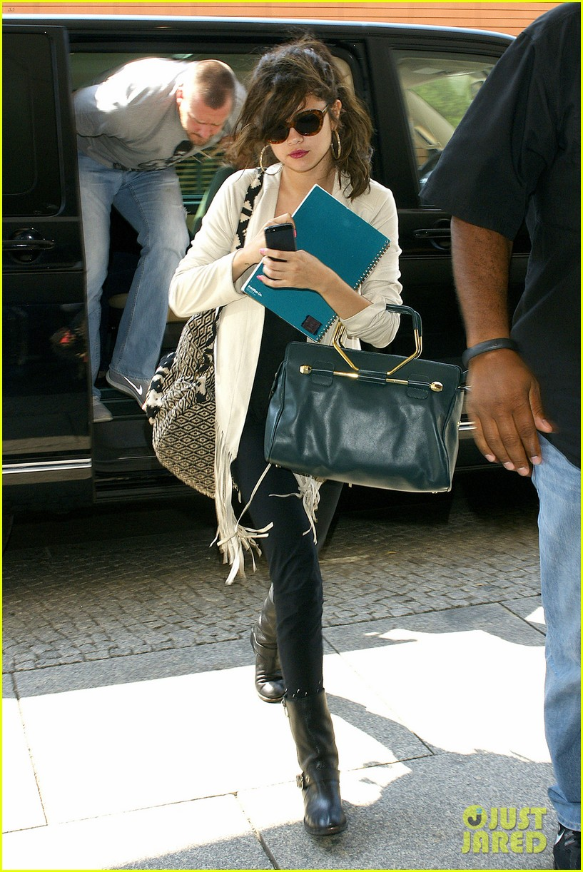 selena gomez catches flight to attend adidas neo launch 03