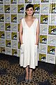 ginnifer goodwin jennifer morrison once upon  atime comic con panel 11