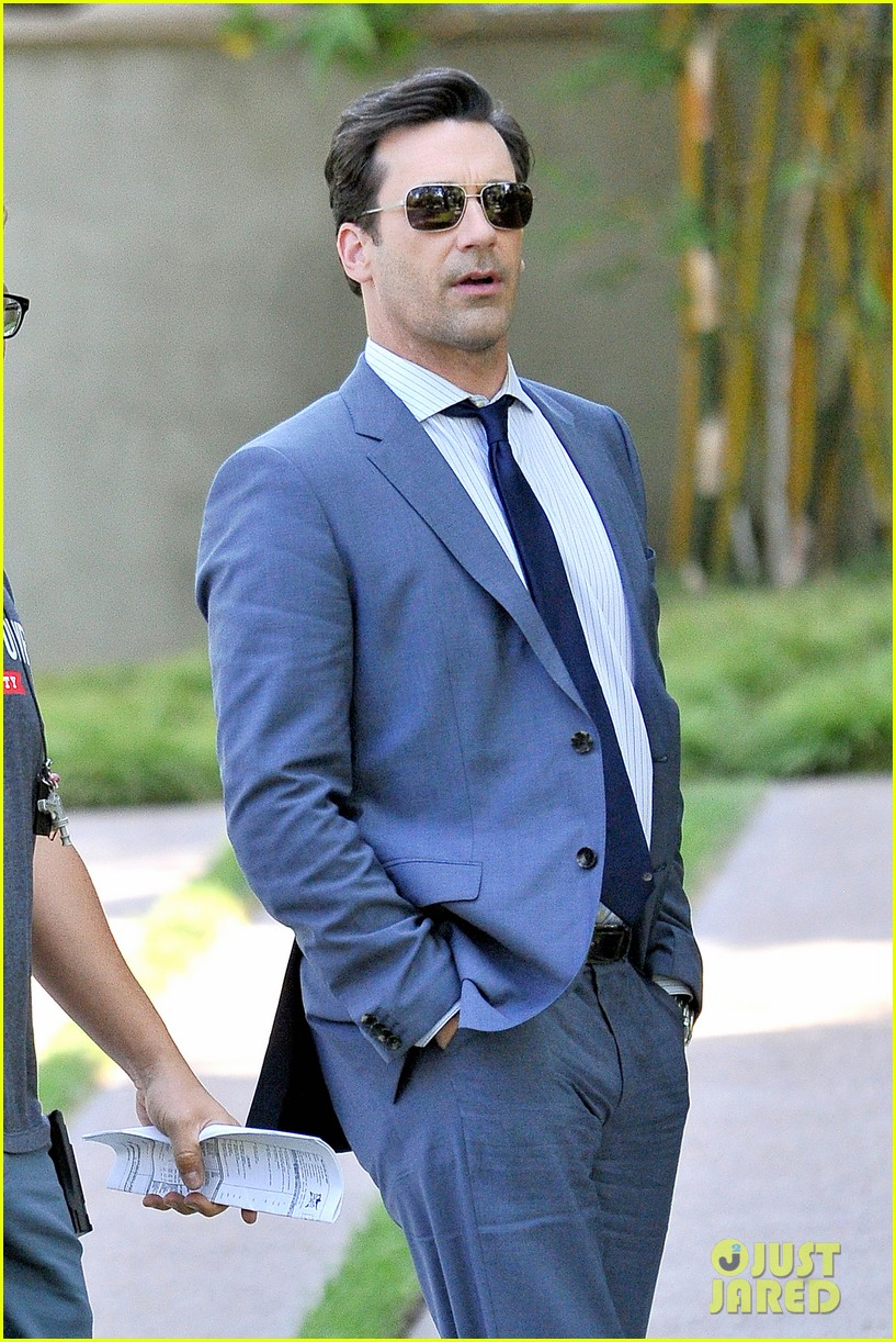 jon hamm sports million dollar look for million dollar arm 02