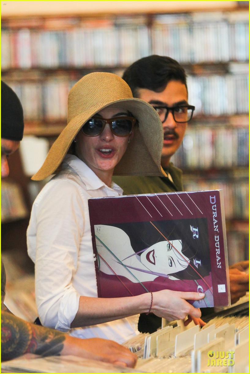 anne hathaway adam shulman search for vintage vinyl records 18