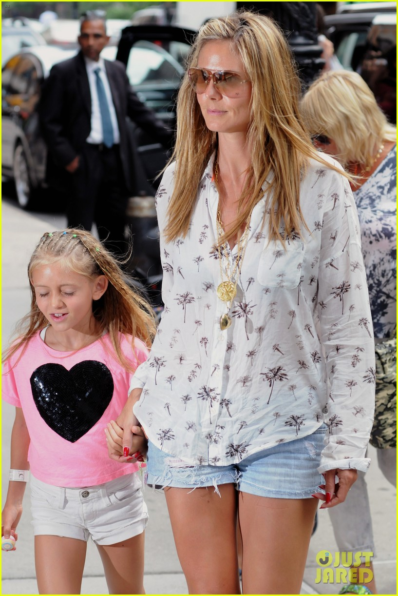heidi klum martin kirsten spider man on broadway with the kids 022907356