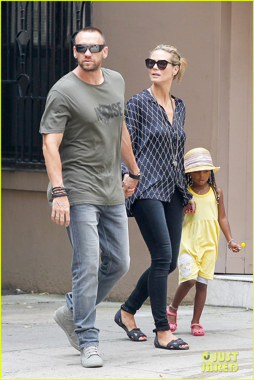 heidi klum martin kirsten spider man on broadway with the kids 372907391