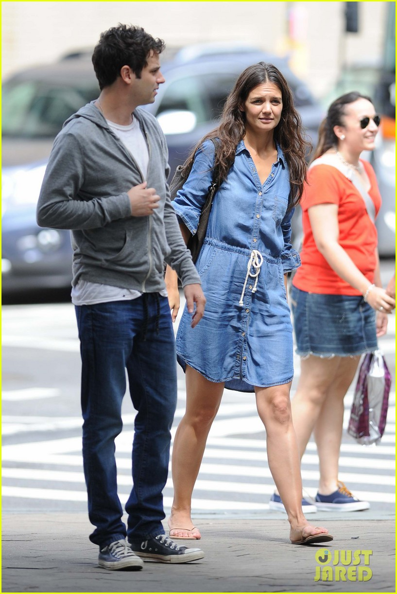 katie holmes luke kirby back to work on mania days 092915218