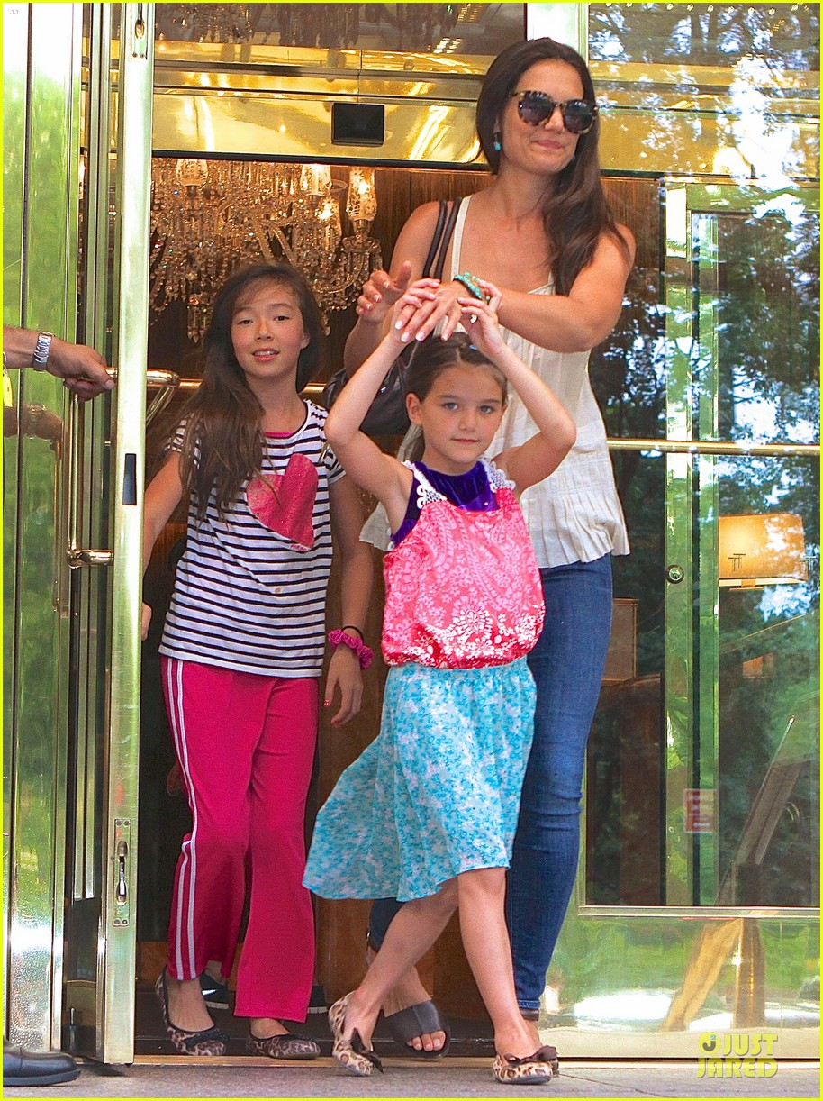 katie holmes suri nyc play date after july 4th weekend 032906795