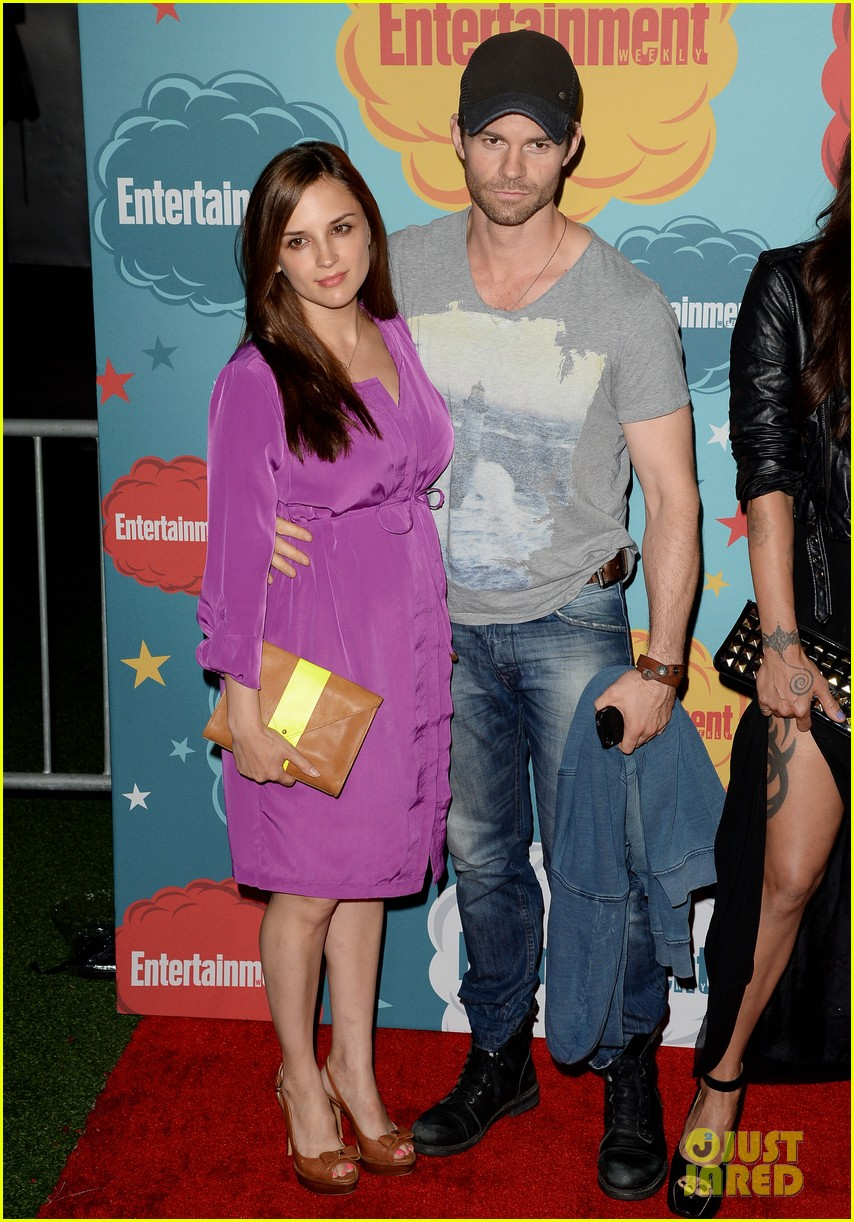 ian somerhalder daniel gillies vampire diaries originals at ew comic con party 132913921