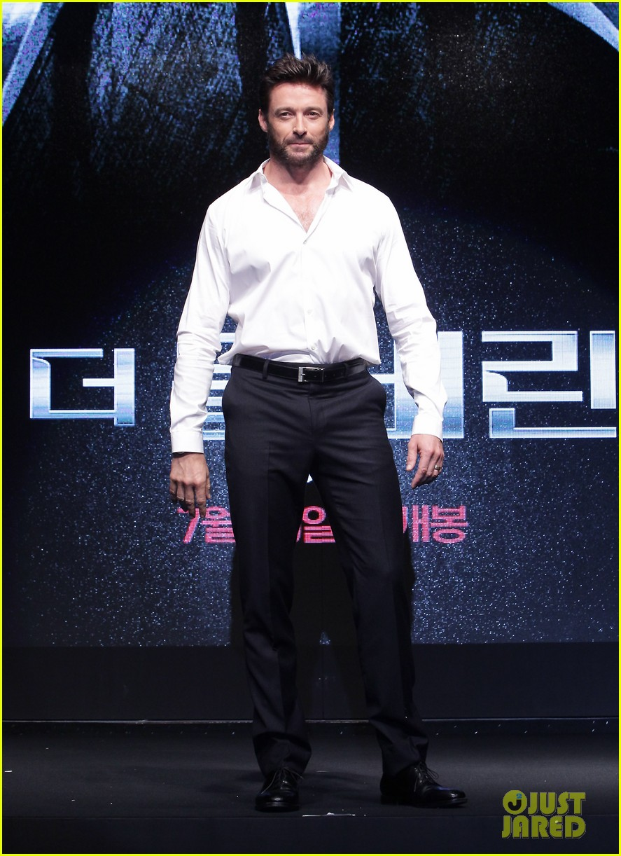 hugh jackman wolverine press conference in seoul 05