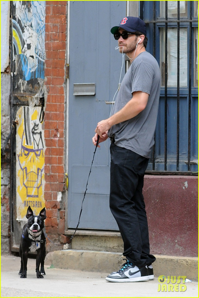 jake gyllenhaal takes his dog for a walk in nyc 21