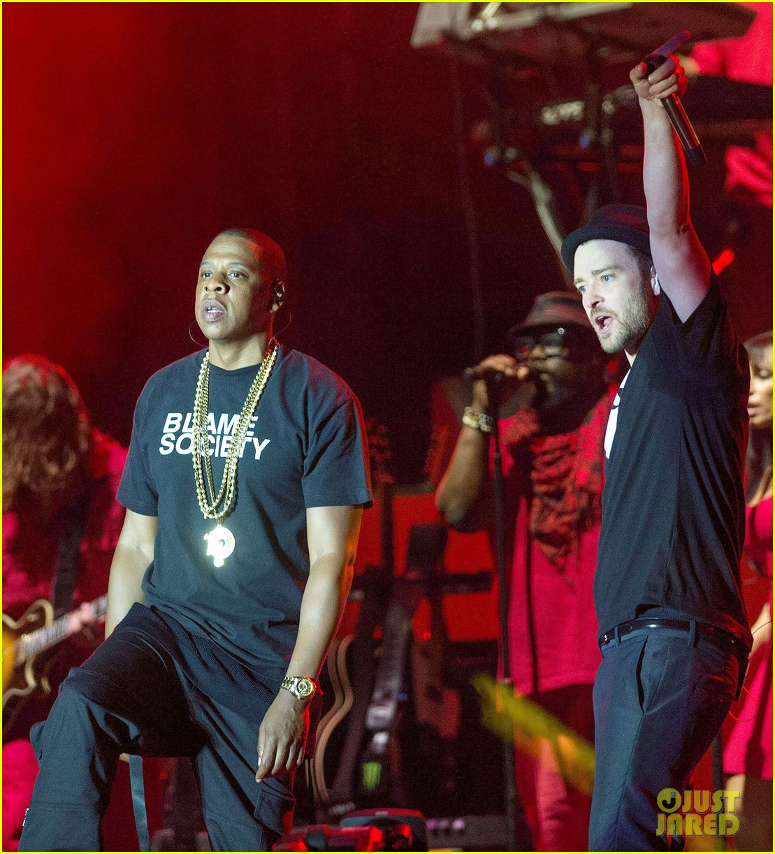 justin timberlake jay z perform at wireless festival 11