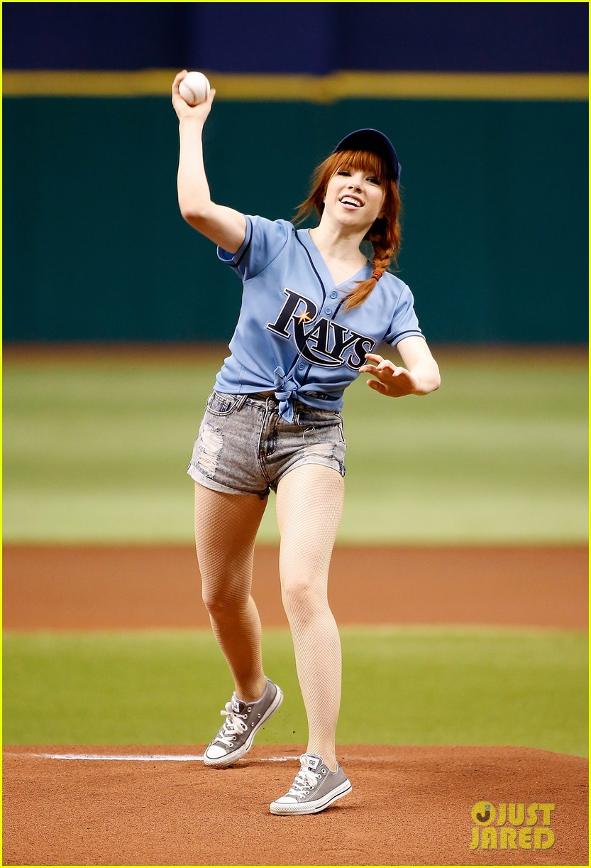 carly rae jepsen throws unsuccessful first pitch 022909750
