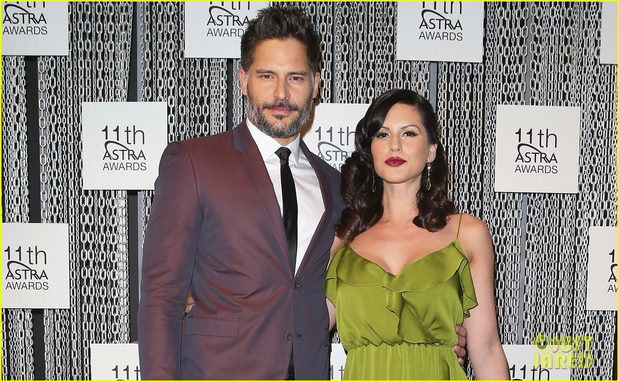 joe manganiello astra awards with bridget peters 04