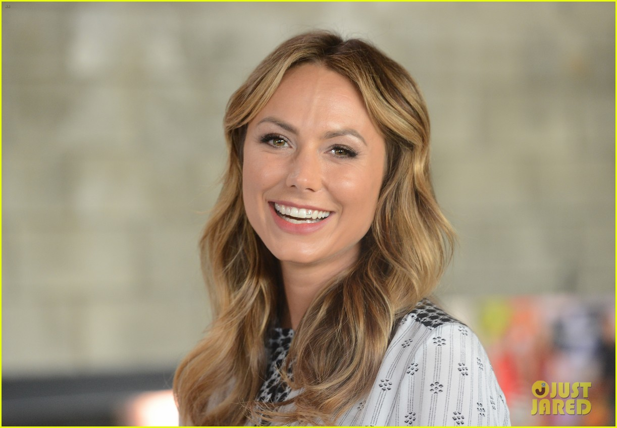stacy keibler promote new show after george clooney split 11