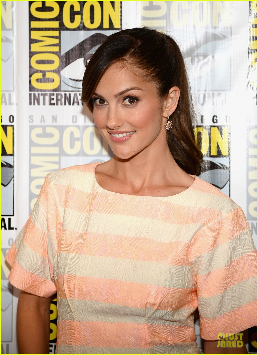 minka kelly michael ealy almost human at comic con 022912514