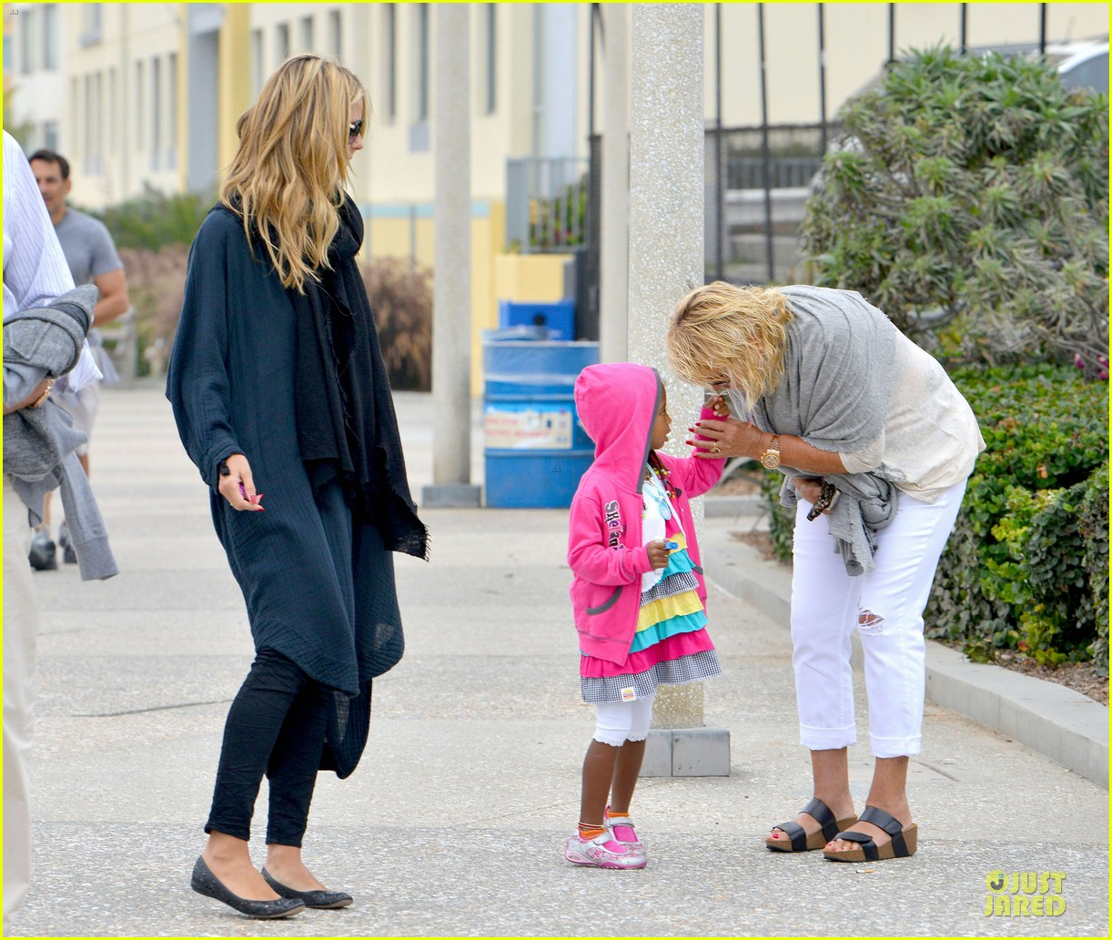 heidi klum martin kirsten venice beach bonding after nyc departure 182909060