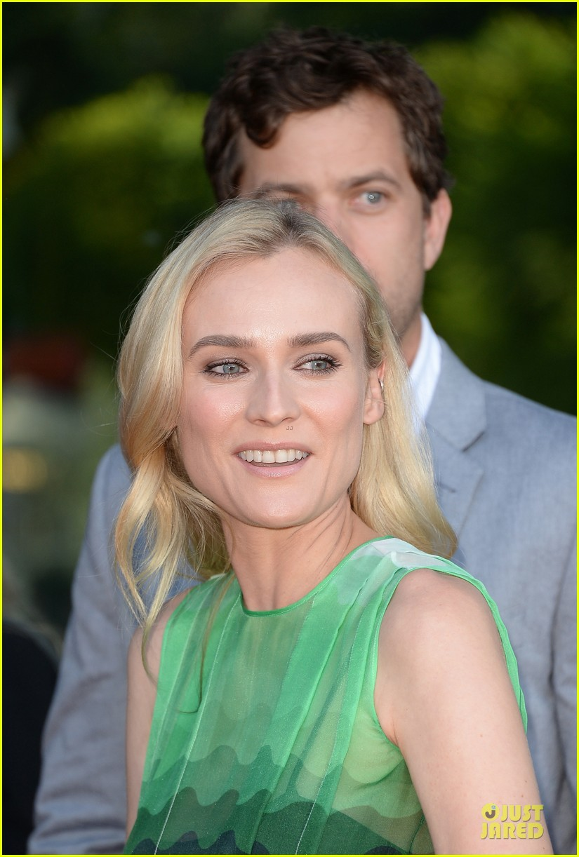 diane kruger joshua jackson the bridge premiere 10