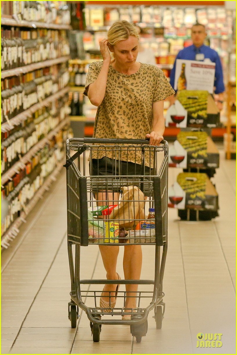 diane kruger joshua jackson white wine fruit shoppers 162914177