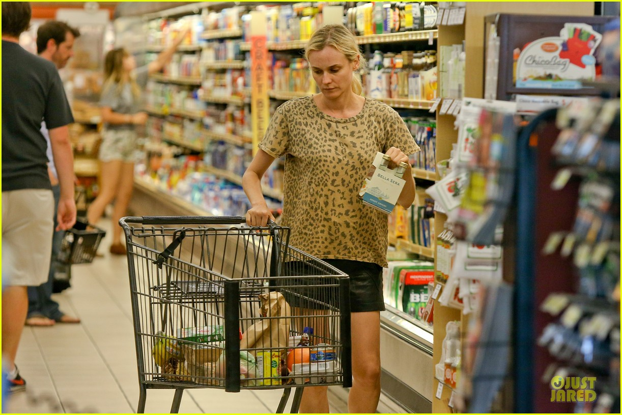 diane kruger joshua jackson white wine fruit shoppers 222914183