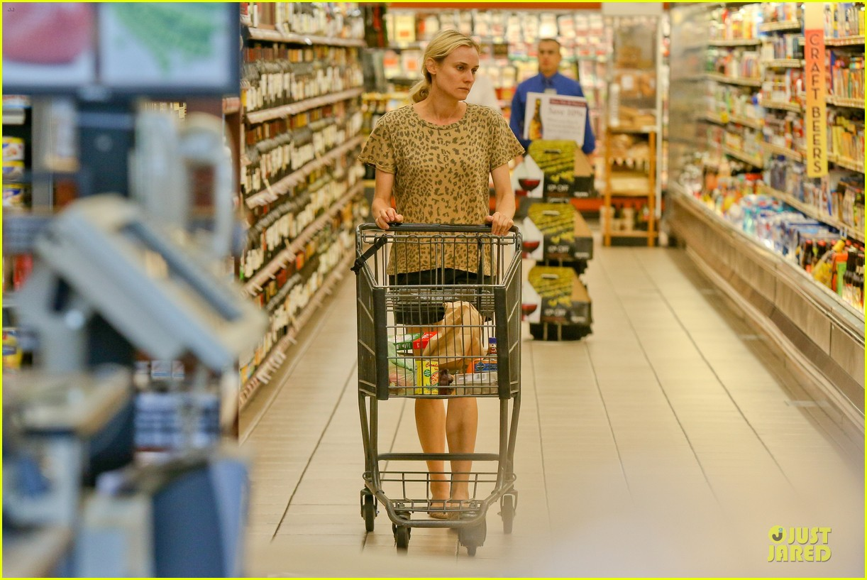 diane kruger joshua jackson white wine fruit shoppers 232914184