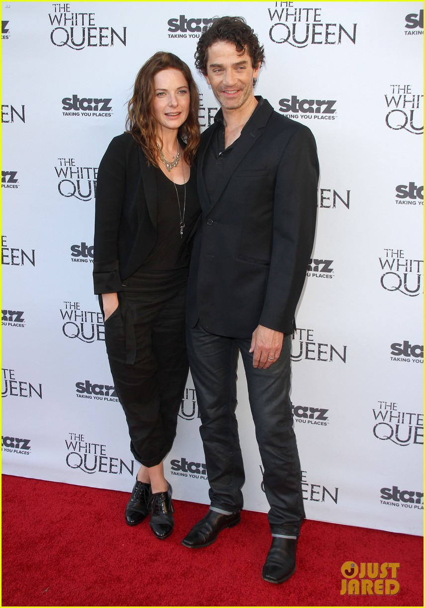 olga kurylenko kisses danny huston at white queen premiere 14