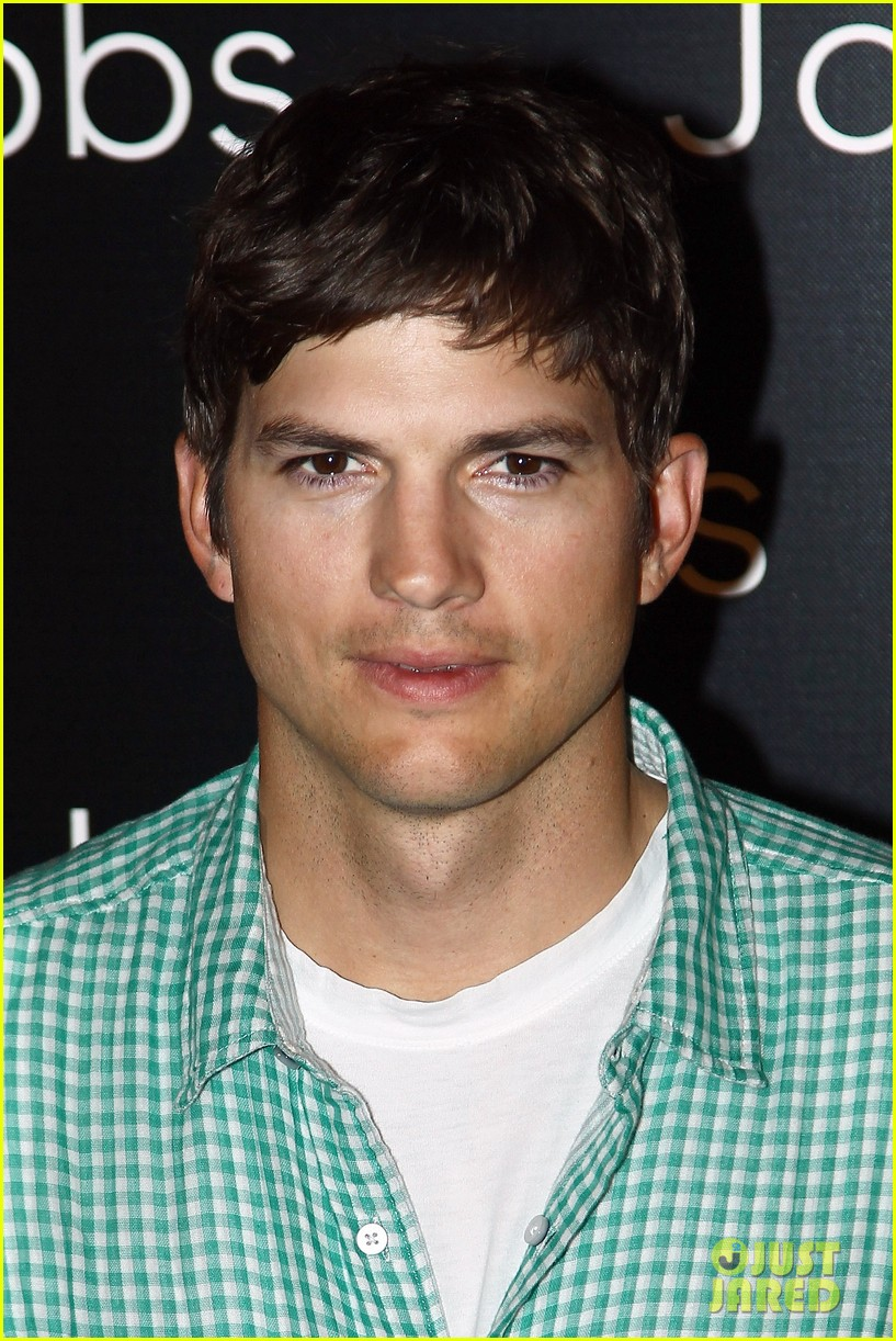 ashton kutcher jobs paris premiere 022901872