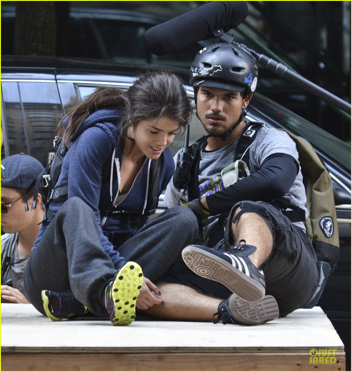 taylor lautner wood tracers scenes 022914470