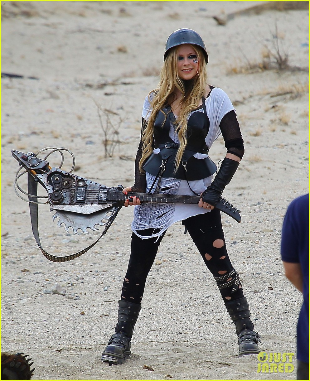 avril lavigne chainsaw action for rock n roll video shoot 182917730