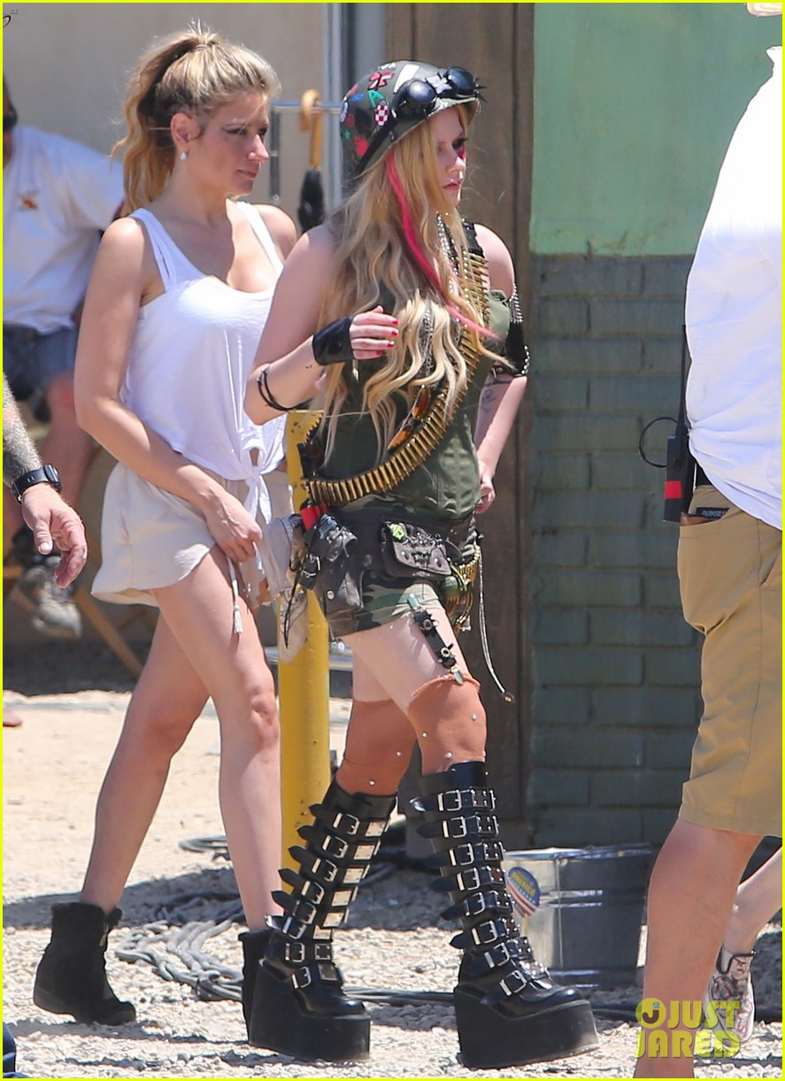 avril lavigne rock n roll music video shoot 08
