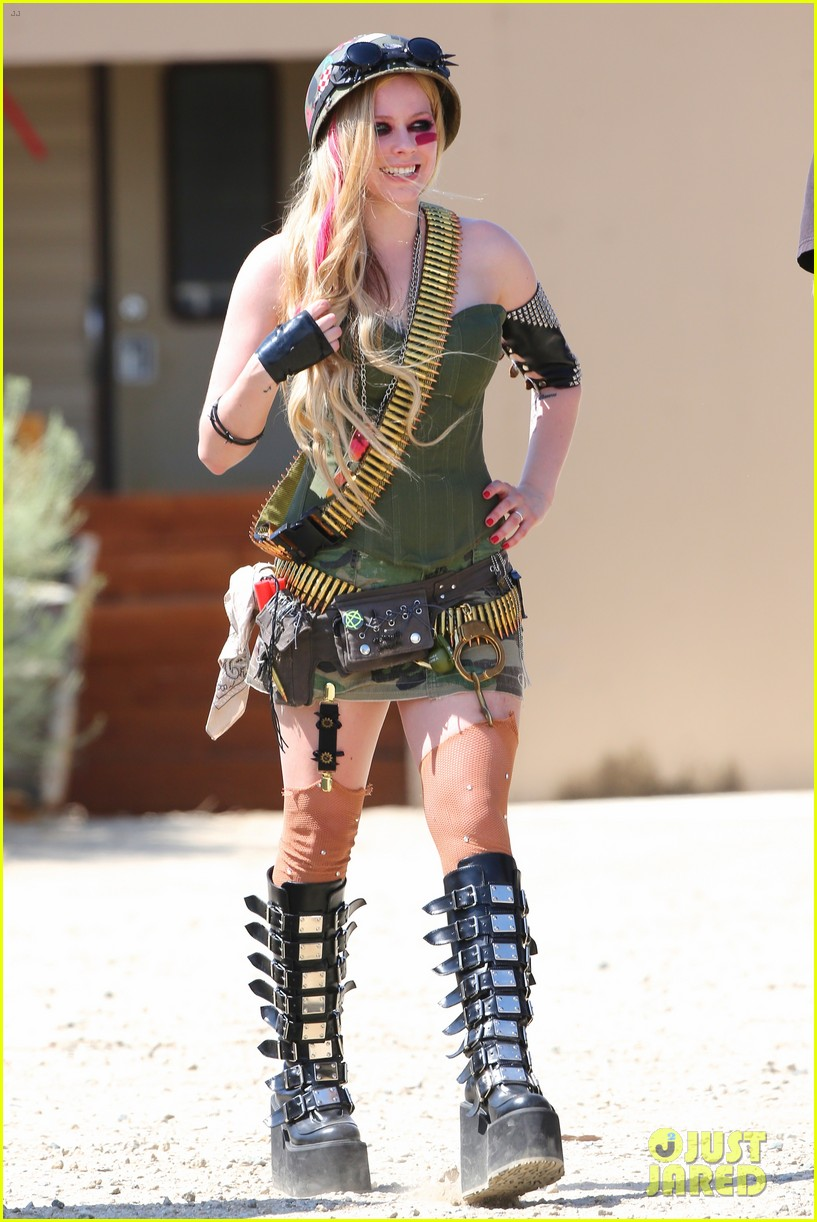 avril lavigne rock n roll music video shoot 14
