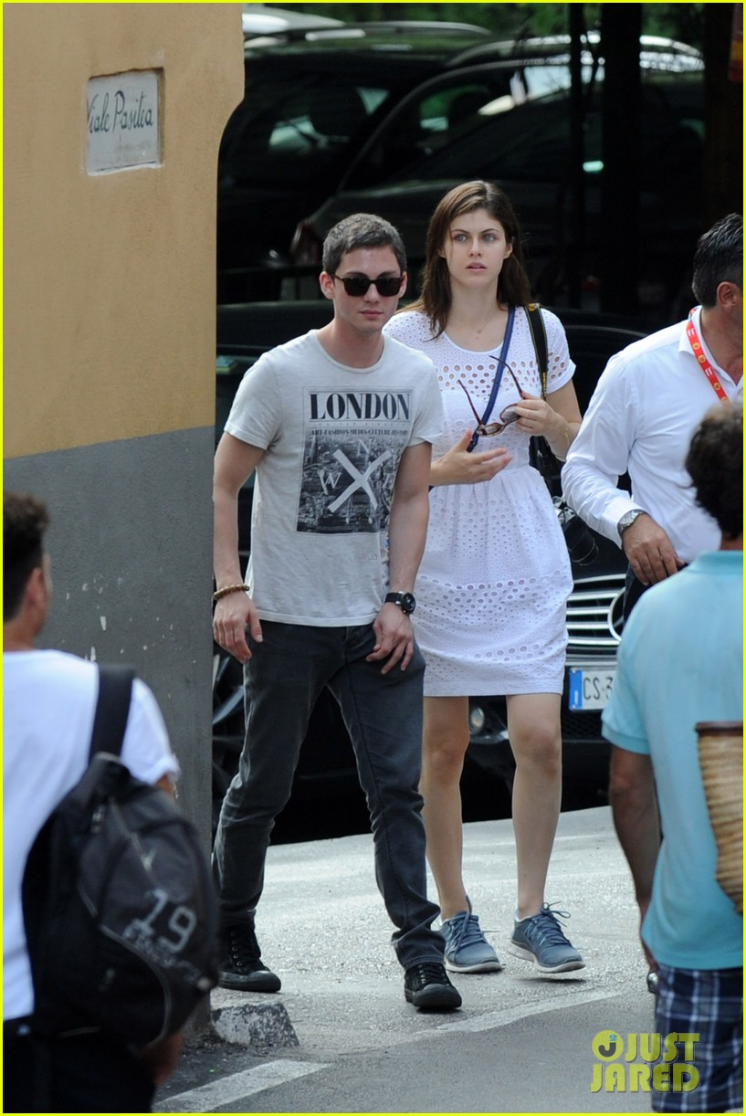 who is logan lerman currently dating 2014