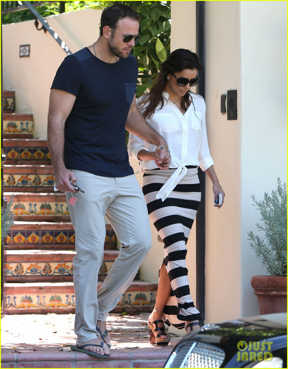 eva longoria ernesto aguello argo dinner after house hunting 22