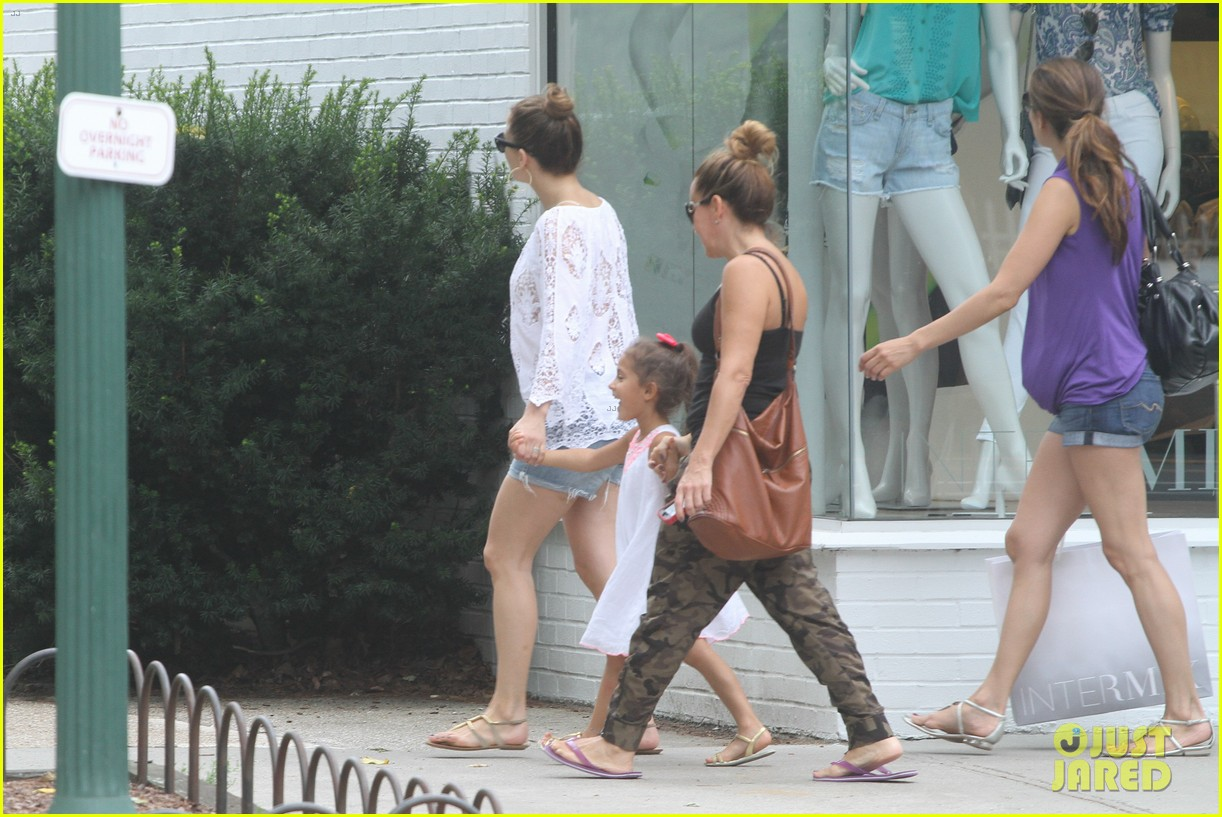 jennifer lopez casper smart hamptons weekend trip 062914559