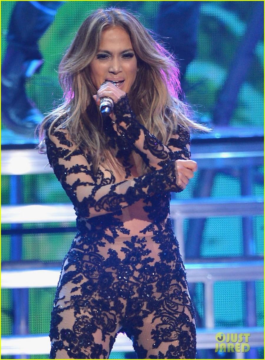Photos Jennifer Lopez Performing At 2013 Premios Juventud