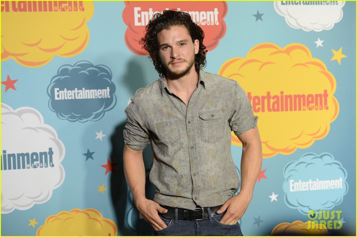 kit harington richard madden ews comic con party 132913820