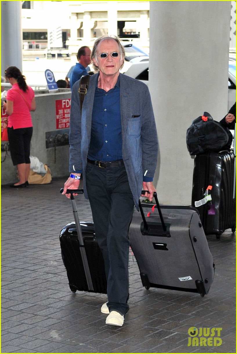 richard madden jenna coleman lots of luggage at lax 18
