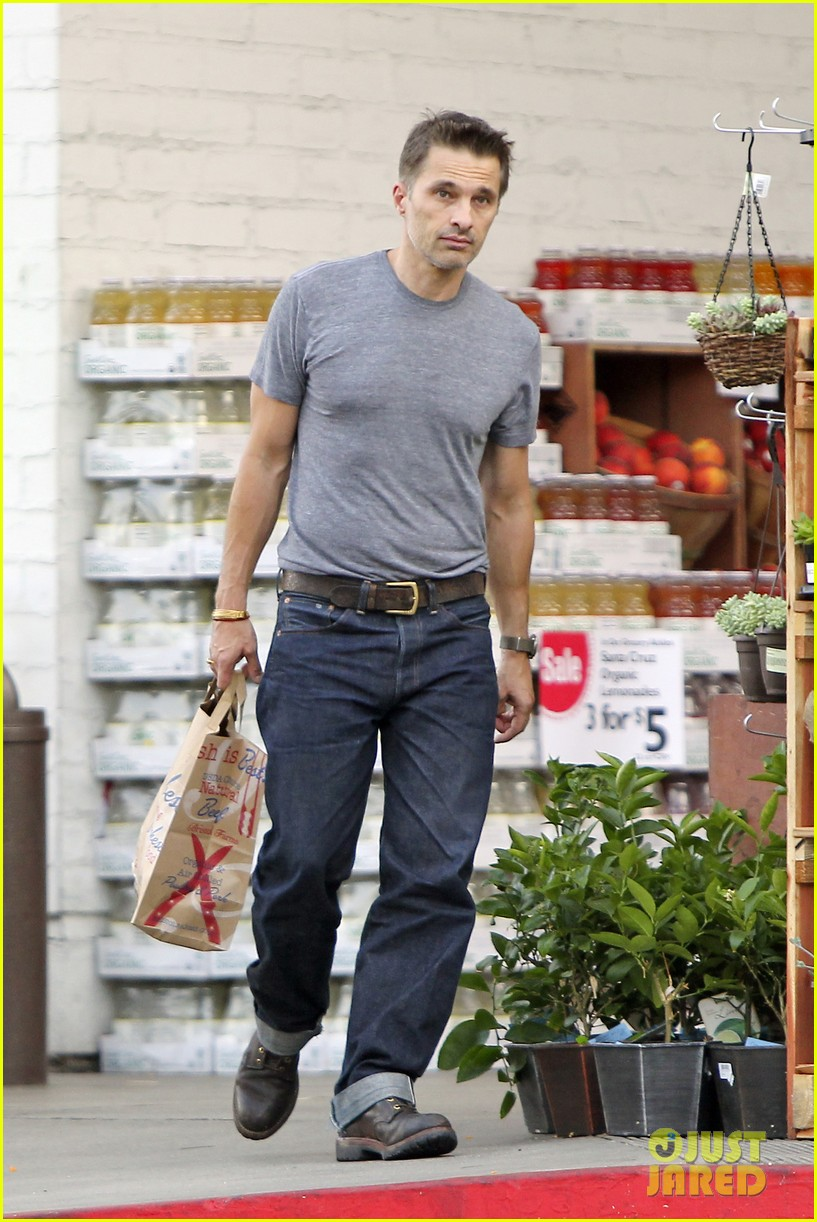 olivier martinez makes two trips to grocery store on july 4 11