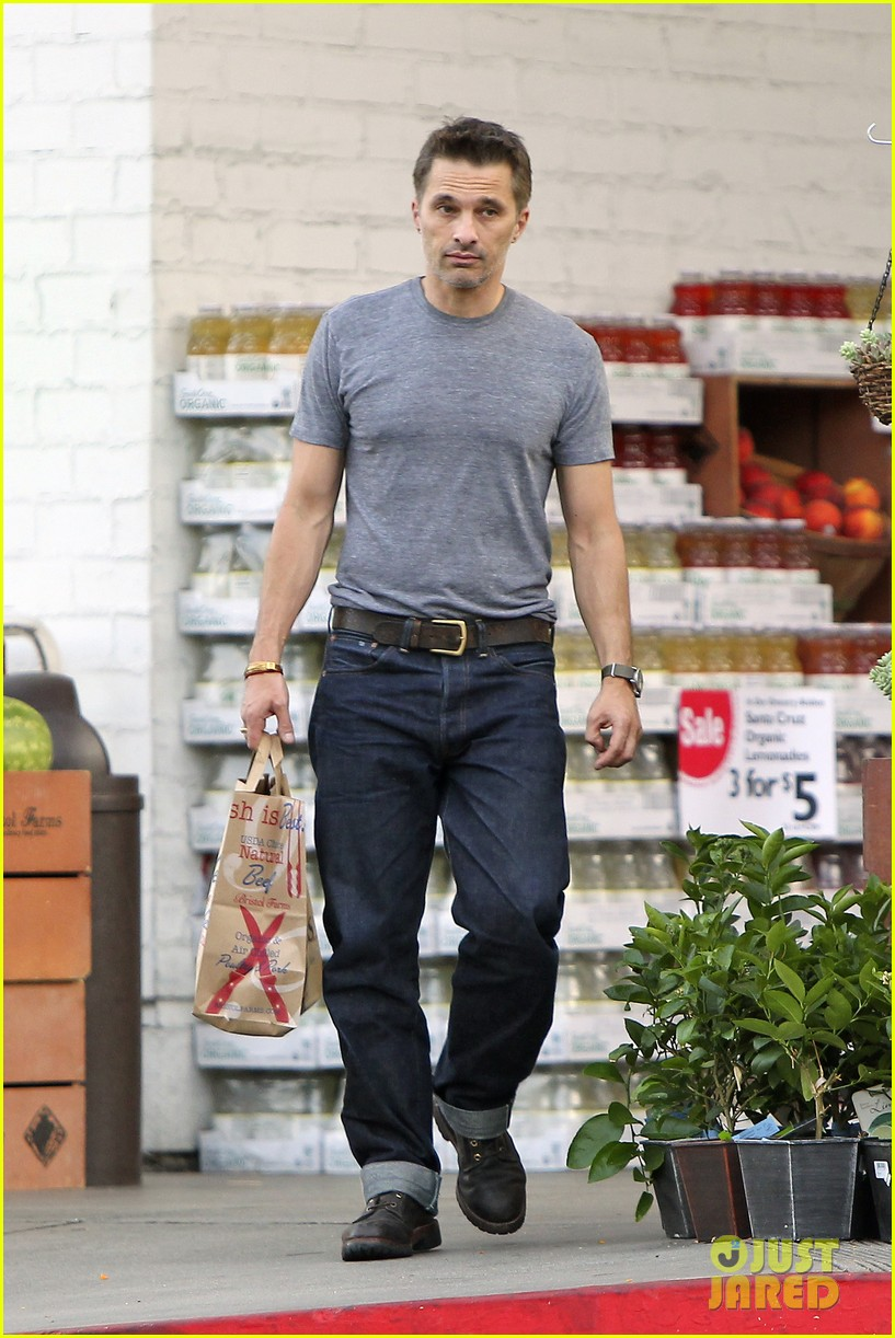 olivier martinez makes two trips to grocery store on july 4 16