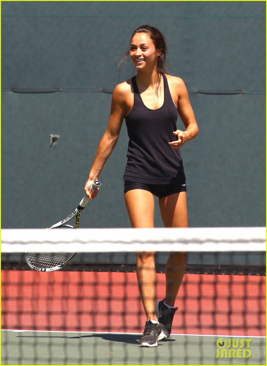 jesse metcalfe shirtless tennis playing with cara santana 17