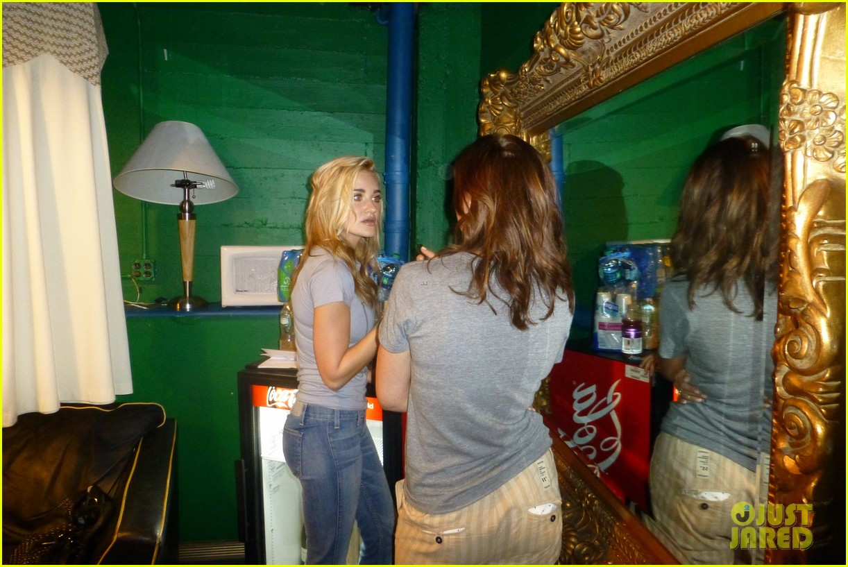 aly aj michalka 78 violet nyc showcase exclusive backstage photos 19