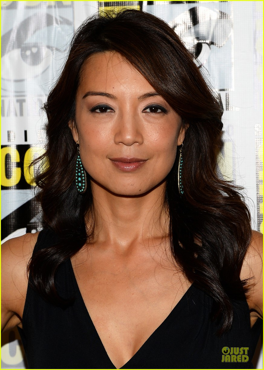 ming na wen clark gregg agents of shield at comic con 14